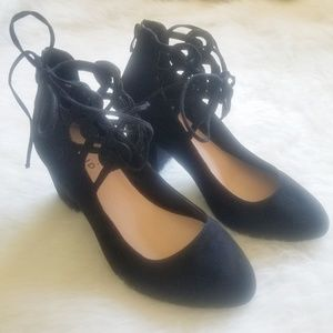 TORRID Suede Chunky Heel Lace Up Shoes 10